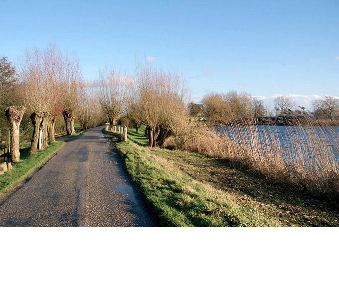 http://www.buro-lino.nl/wp-content/uploads/2013/12/Lage-Klompweg-beeld-2.jpg
