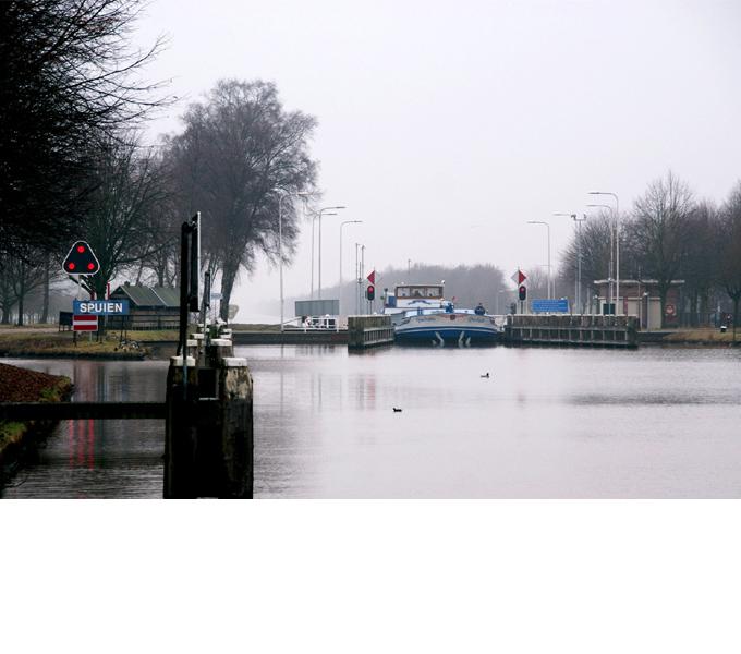 http://www.buro-lino.nl/wp-content/uploads/2013/12/Wilhelminakanaal-beeld-0.jpg