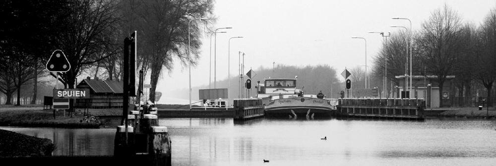 http://www.buro-lino.nl/wp-content/uploads/2013/12/Wilhelminakanaal-header.jpg